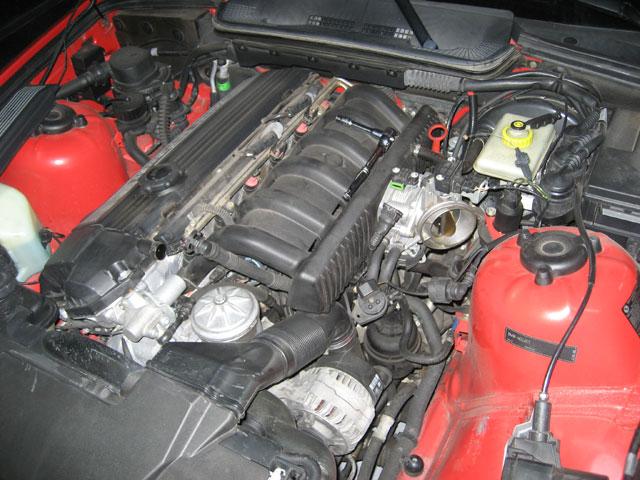 BMW E36 M3 with original S52 manifold installed